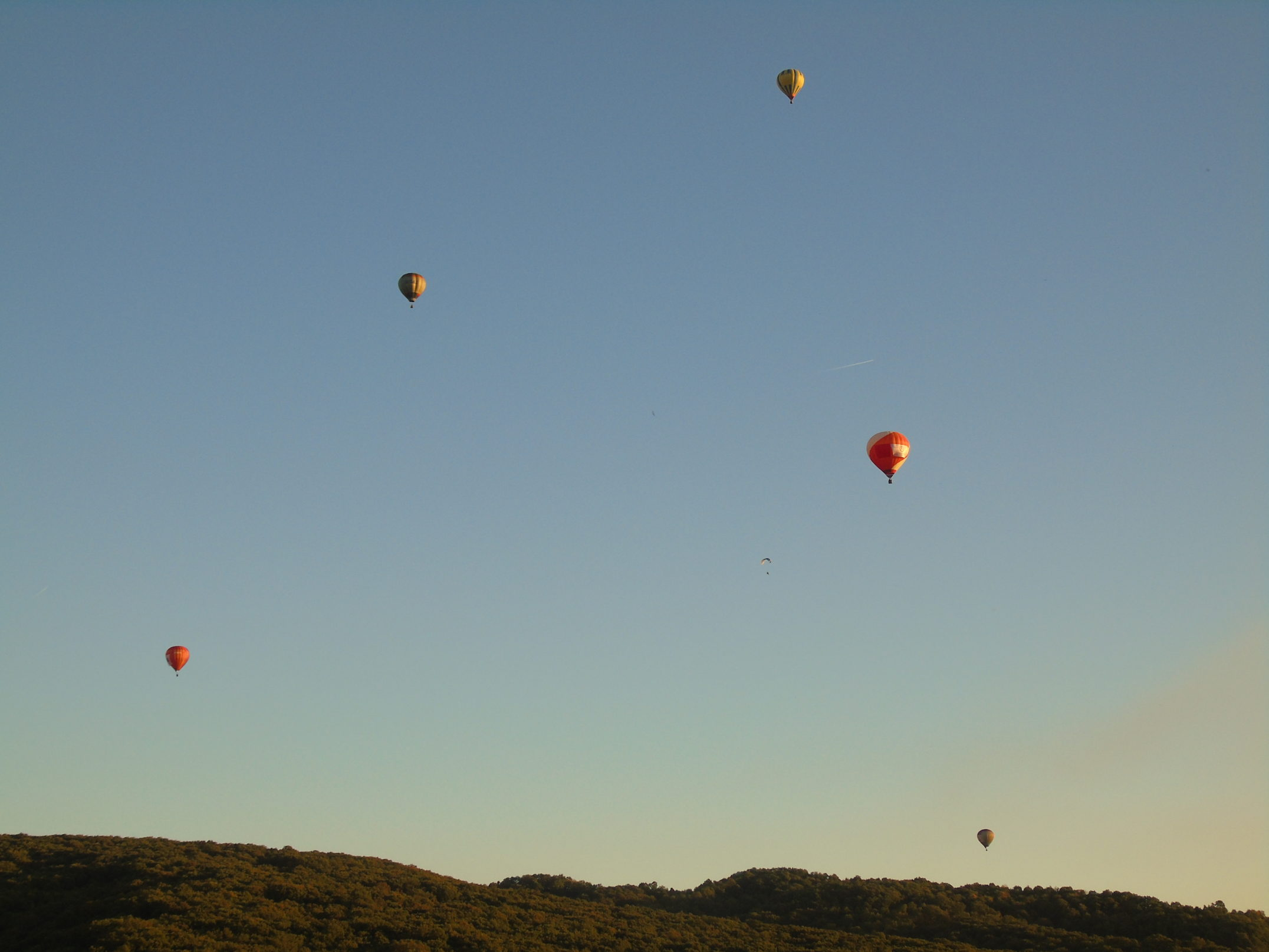 100 baloane pe cerul Maramureșului
